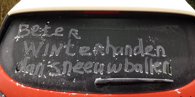 winterhanden-sneeuwballen